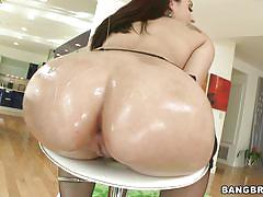 Sheena ryder and her hot oiled ass