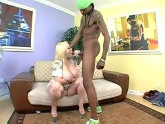Fat blonde bunny de la cruz fucked by black cock...f70