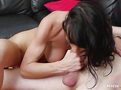 Sexy brunette milf enjoys it deep in her vagina