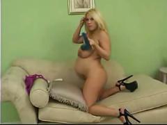 Blondi preggo plays naughty