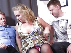 Chubby cougar needs two cocks to get ultimate sexual satisfaction
