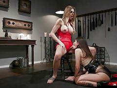 Transgender goddess sticks her huge lady cock inside her slave