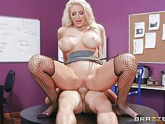 Hot fuck session in the workplace