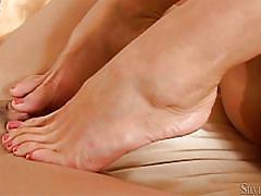 Lesbians toe fuck @ stylish tights in duet