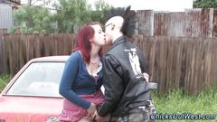 Amateur slut fingered by a punk rocker in the yard