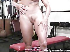 Mandy - gym masturbation