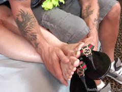 Nadia ali has her pakistani feet covered in cum
