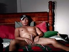 Raw cock eating amateur latino studs mutual jerk