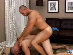 Enzo rod fucks david chase at men over 30