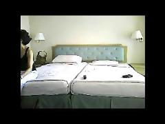Thai woman fuck for money in a hotel room an get hard orgasm