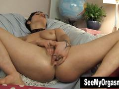 Goth honey sophia masturbating