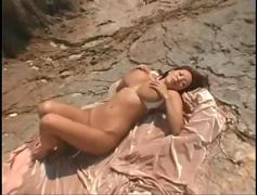 Hitomi tanaka goes to the beach