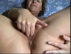 Milf wife fucking herself