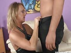 Mature slut pussy rubbing and jerking