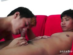 Asian twink jesse fucks ronny in bareback sex.