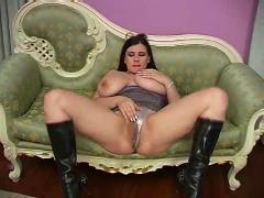 Huge boob bozena masturbates