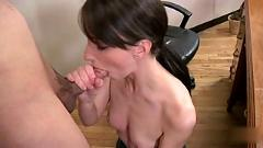 Skinny secretary katie give a nice blowjob