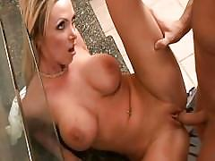 Lucky pool boy fucks amazingly hot blonde