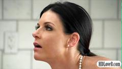 Wank job babe india summer performs her hob awesomely