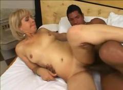 Sexy latin milf kathya