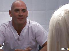 Sexy blonde psychiatrist gives awesome blowjob
