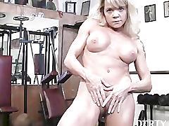 Mandy gym masturbation