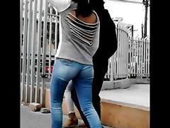 Nalgonas en jeans