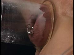 Sidney dark pussy pumping and fucking