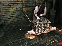 Dungeon cage @ asymmetric bondage