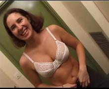 Sandrine decouvrant les plaisirs d'un casting