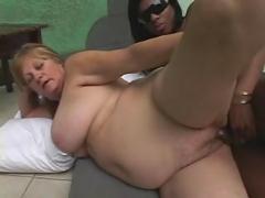 Ebony tranny fucks blonde mature