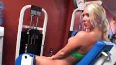 2 hot lesbianss at a gym