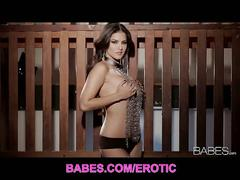 Gorgeous brunette sunny leone plays for you
