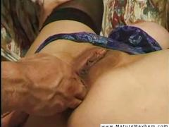 Brutaly stretched out mature pussy