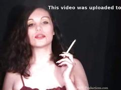 Nadia - smoking fetish at dragginladies