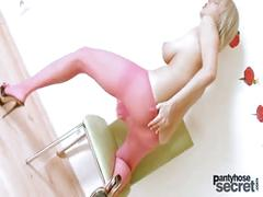 Mendy dee big tits pantyhose masturbation