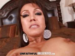 Slut milf plays dick to her face and cunt