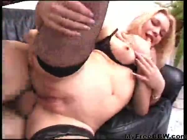 Kelly grinn takes it in her chubby ass bbw fat bbbw...