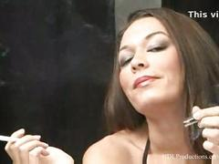 Crissy moon - smoking fetish at dragginladies