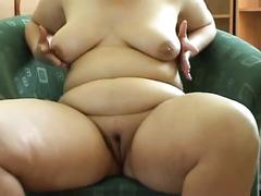 Bbw carine masturbating with toy