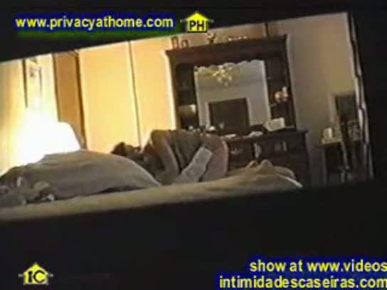 Blitz erotica - camera escondida filmando a namorada dando pra o amigo da faculdade