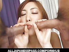 Sexy babe gets fingered, frenched and fucked!