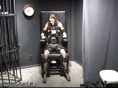 Self-bondage throne