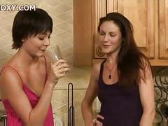 Pornoxy.com lesbian.truth.or.dare.4 cd2 02