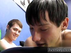 Gay teen gets sucked off and bones his skinny lover