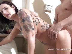 800dad tatted milf opens her cunt for the pool boy