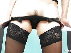 Czech cougar lets us see inside her