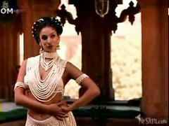 Indira varma in kamasutra