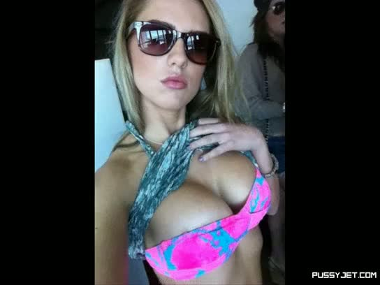 Hottest chicks slideshow with hugetits hd