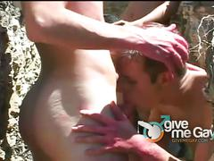 Twinks enjoys outdoor barebacking sex adventure